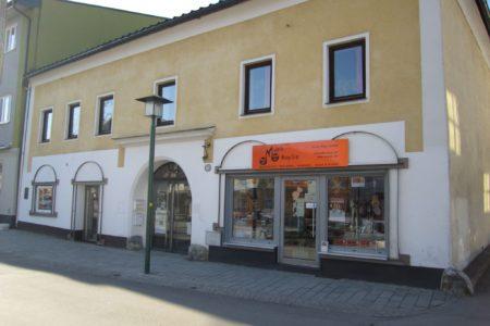 Wohn- und Geschäftshaus mit 1.800qm Baugrund im Zentrum von Neumarkt am Wallersee